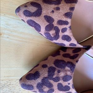 Leopard heels NEW Mossimio